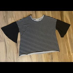 Bell-sleeved top